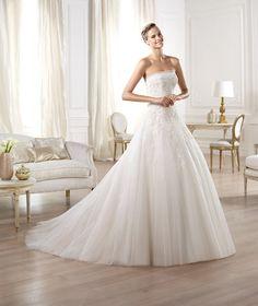 Pronovias vous présente la robe de mariée Ocotal. Glamour 2014.   Pronovias