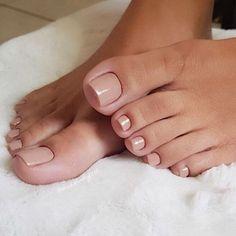 New pedicure polish toe 15 Ideas Pretty Toe Nails, Cute Toe Nails, Pretty Toes, Beautiful Toes, Cute Toes, Shellac Pedicure, Pedicure Colors, Black Pedicure, French Pedicure