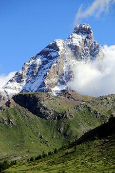 Monte Cervino (Matterhorn, Gran Becca, Mont Cervin) - visto dalla Valle d'Aosta, Italy
