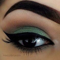 Sea foam eyeshadow