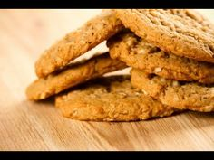 This page contains low-fat oatmeal cookie recipes. Reducing the fat in your diet does not mean that you have to completely sacrifice having a sweet delicious oatmeal cookie. Low Fat Oatmeal Cookie Recipe, Oatmeal Recipes, Oatmeal Cookies, Apple Cookies, Low Acid Recipes, Gerd Diet, Reflux Diet, Diet Desserts, Cookies For Kids