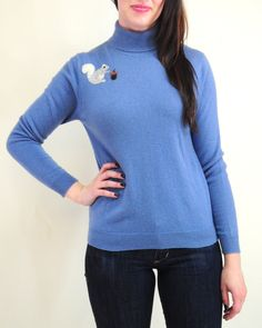 This adorable turtle neck #cashmere sweater is perfect for fall! Size large.