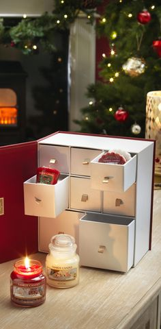 treat a loved one this christmas with our festive gift sets everythingtheseasonismeanttobe yankee candle christmas