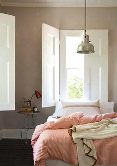 love the wall colour