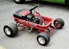Radio Flyer wagon go-kart Custom Radio Flyer Wagon, Radio Flyer Wagons, Motorcycle Camping, Camping Gear, Triumph Motorcycles, Scooter Vintage, Brushless Motor Controller, Accessoires 4x4, Go Kart Plans