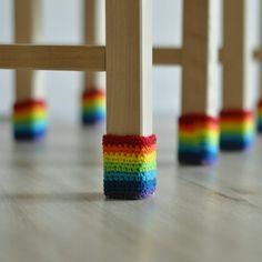 7 отметок «Нравится», 4 комментариев — @aljushinka в Instagram: «Для любителей громко двигать стулья 🙈 в нашем доме даже стулья в носках))) #носкидлястула…»