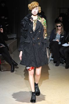Comme des Garçons - Fall 2011 Ready-to-Wear - Look 8 of 34