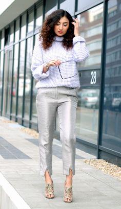 Light Blue Sweater Outfit // For more inspiration visit samieze.com fashion blog