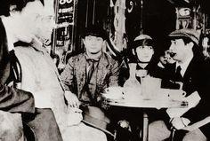 D'esquerra a dreta, el pintor xilè Manuel Ortíz de Zárate, el poeta Max Jacob, el pintor Moise Kisling, la model Paquerette, Casa Vassillev i Pablo Picasso.