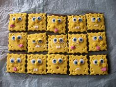 SpongeBob Chocolate sugar cookies covered in fondant for papa Brownie Icing, Sponge Bob Cupcakes, Cute Food, Yummy Food, Cheese Squares, Food Humor, Cakepops, Creative Food, Cookie Decorating