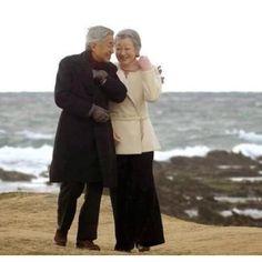天皇ご夫妻の素敵な写真 His Majesty the Emperor and Her Majesty the Empress. Japan