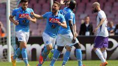 @Napoli Mertens urla la consecuzione di una rete con i suoi compagni azzurri #9ine