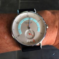 Vintage Watches The lights only start to go down and the lume already starts to come up: Nomos Glashütte Autobahn, what a sleeper Stylish Watches, Casual Watches, Luxury Watches, Cool Watches, Watches For Men, Men's Watches, High End Watches, G Shock Watches, Hand Watch