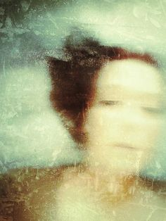 Delicate | Sarah Jarrett,. Dream like, painterly images. Poetic landscapes and creative portraits.