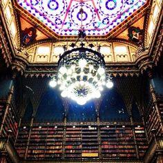 Nice ceiling! Real Gabinete Português de Leitura