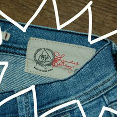 LIMITED EDITION GAP LIMITED EDITION GAP 1969 JEANS LIKE NEW wide leg Size 2 99% cotton 1% spandex  Inseam  32  Rise 7.5  Laying flat waist measures 15 GAP Jeans