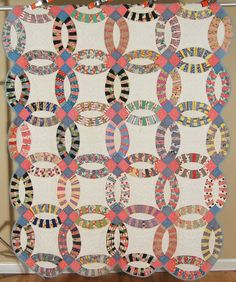 GORGEOUS 30's Double Wedding Ring Antique Quilt ~NICE VINTAGE NOVELTY PRINTS!
