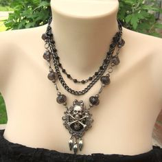 Pirate Skull n Crossbone Necklace.. Something similar to one I own! Love!