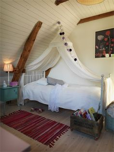 Today I'm stalking an old coach house just outside the medieval town of Landskrona in Sweden. Kids Bedroom, Bedroom Decor, Kids Rooms, Bedroom Ideas, Sweden House, Cool Beds, Awesome Beds, Attic Rooms, Interior Decorating