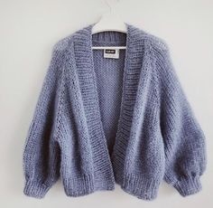 Indie Outfits, Teen Fashion Outfits, Cute Casual Outfits, Knit Cardigan Outfit, Chunky Knit Cardigan, Winter Cardigan, Cardigan Pattern, Cardigan Fashion, Cardigan Sweaters For Women