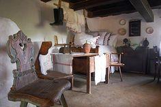 A tápi hegysor házai House 2, Historic Homes, Hungary, Old Houses, Interior Decorating, Culture, Folk, Places, Travel