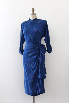 Absolutely stunning novelty silk dress from the 1940s.