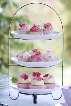 Wedding Reception Centerpieces on a Budget Porta Cupcake, Cupcakes Flores, Condiment Caddy, Wedding Reception Centerpieces, Tea Party Birthday, 8th Birthday, Tiered Stand, Food Platters, Marriage Proposals
