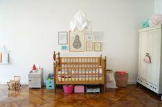 Schlichtes aber trotzdem cooles Babyzimmer. Genau mein Geschmack