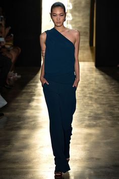 Cushnie et Ochs Spring 2015. See the whole collection on Vogue.com.