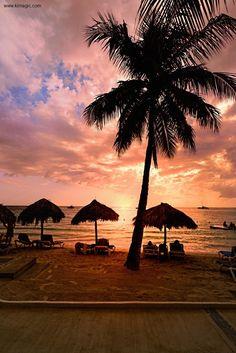 Seven Mile Beach (Negril #Jamaica) #Caribbean #VisitJamaica