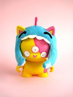 KAZU & HARRY vinyl toy by dolly oblong