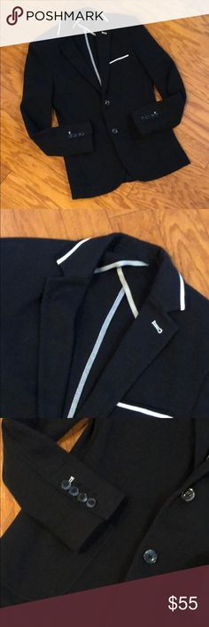 Zara Men's Blazer 🌟 Beautiful Zara Men's Blazer. Brand new condition and only worn once. Fabric is cotton and has a jersey feel with a waffle texture. Navy blue with white accents. Great for fall/winter/spring🌟 Zara Jackets & Coats
