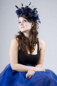 Temně modrý fascinátor   Zboží prodejce Poppy the Hatter 6e115cc90b