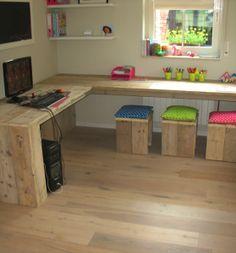 bureau voor de kinderkamers