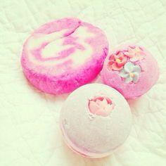 Currently Obsessed Over... LUSH Bath Bombs | Norajuku.com