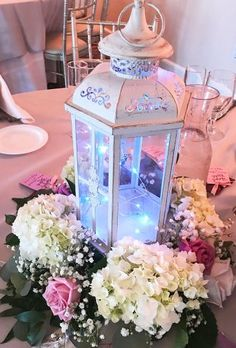 Are you wanting a lantern as your centerpiece for your wedding? Come find the most amazing lantern wedding centerpiece ideas all right here! Quince Centerpieces, Quince Decorations, Quinceanera Centerpieces, Wedding Decorations, Wedding Ideas, Wedding Planning, Table Decorations, Lantern Centerpiece Wedding, Wedding Lanterns