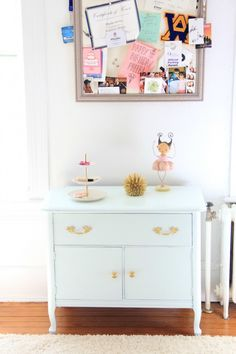 One Room Challenge  – PHOEBE'S GOLD, WHITE AND BLUSH BEDROOM (Benjamin Moore Spring Mint – semi gloss Advance)