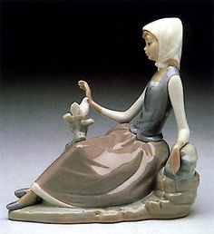 "Charming Lladro ""Shepherdess with Dove"" Figurine 14660 Retired 