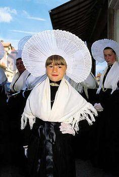 Notre France est vraiment bien représentée , avec ces tenues ! Costume traditionnel boulonnais