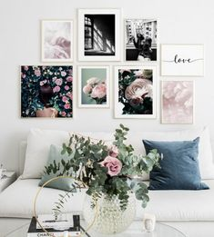 Gallery wall roses peonies pink - Wall art with posters and art prints. Find inspiration for your personal wall art with posters & art prints from Posterstore.se Spice up your living room or bedroom. Interior Design Living Room, Living Room Decor, Bedroom Decor, Wall Decor, Kitchen Interior, Gallery Wall Staircase, Inspiration Wand, Gallery Wall Layout, Frame Gallery