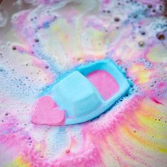 Brand New Valentine's Day Products Are Here And I Need Them All Lush addictLush addict Lush Aesthetic, Bath Boms, Shower Bombs, Lush Cosmetics, Homemade Cosmetics, Lush Bath Bombs, Bath Art, Lush Products, Face Products