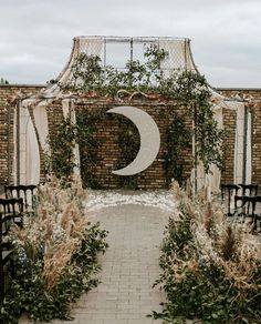 Celestial Wedding Inspiration at Terrain Gardens with moon light backdrop wedding backdrop Moody Skies: A Celestial-Inspired Wedding at Terrain Gardens Starry Night Wedding, Moon Wedding, Celestial Wedding, Dream Wedding, Wedding Day, Garden Wedding, Star Wedding, Celtic Wedding, Wedding Bride