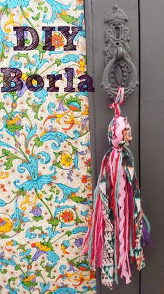 How to make a tassel DIY easy and fast! - How to make a tassel DIY easy and fast! / I am a Mix! Diy Tumblr, Sewing Crafts, Sewing Projects, Craft Projects, Diy Tassel, Tassels, Diy And Crafts, Arts And Crafts, Pom Pom Crafts
