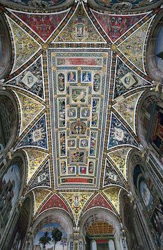 Even if you're not a bookworm, you'll be fascinated by the Piccolomini Library inside Siena's Duomo. Learn why in this guide.