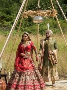 We can't get over the exquisiteness of this soiree, we're sure it's going to have you as floored as well!  #TheCrimsonBride #BeTheCrimsonBride #realwedding #realcouple #realbrideandgroom #realbride #realgroom Wedding Week, Sikh Wedding, Punjabi Wedding, Indian Wedding Outfits, Bridal Outfits, Wedding Poses, Sikh Bride, Wedding Couples, Wedding Portraits