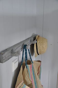 driftwood and white. Scandinavian Countries, Wabi Sabi, Decoration, Modern Decor, Home Remodeling, Reusable Tote Bags, Coat Rail, Slow, Cottage
