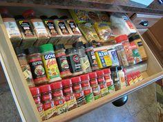 How to make an In-Drawer Spice Organizer - #organization #spicedrawer #kitchen #DIY #HomeTips