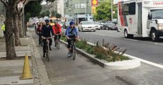 The feds jump on board: Protected bike lanes are now official federal policy | PeopleForBikes