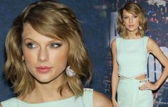 Taylor Swift's aqua and bronze eye makeup