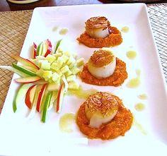Scallops on Roasted Butternut Squash, Carrot and Ginger Puree with an Apple-Fennel Salad